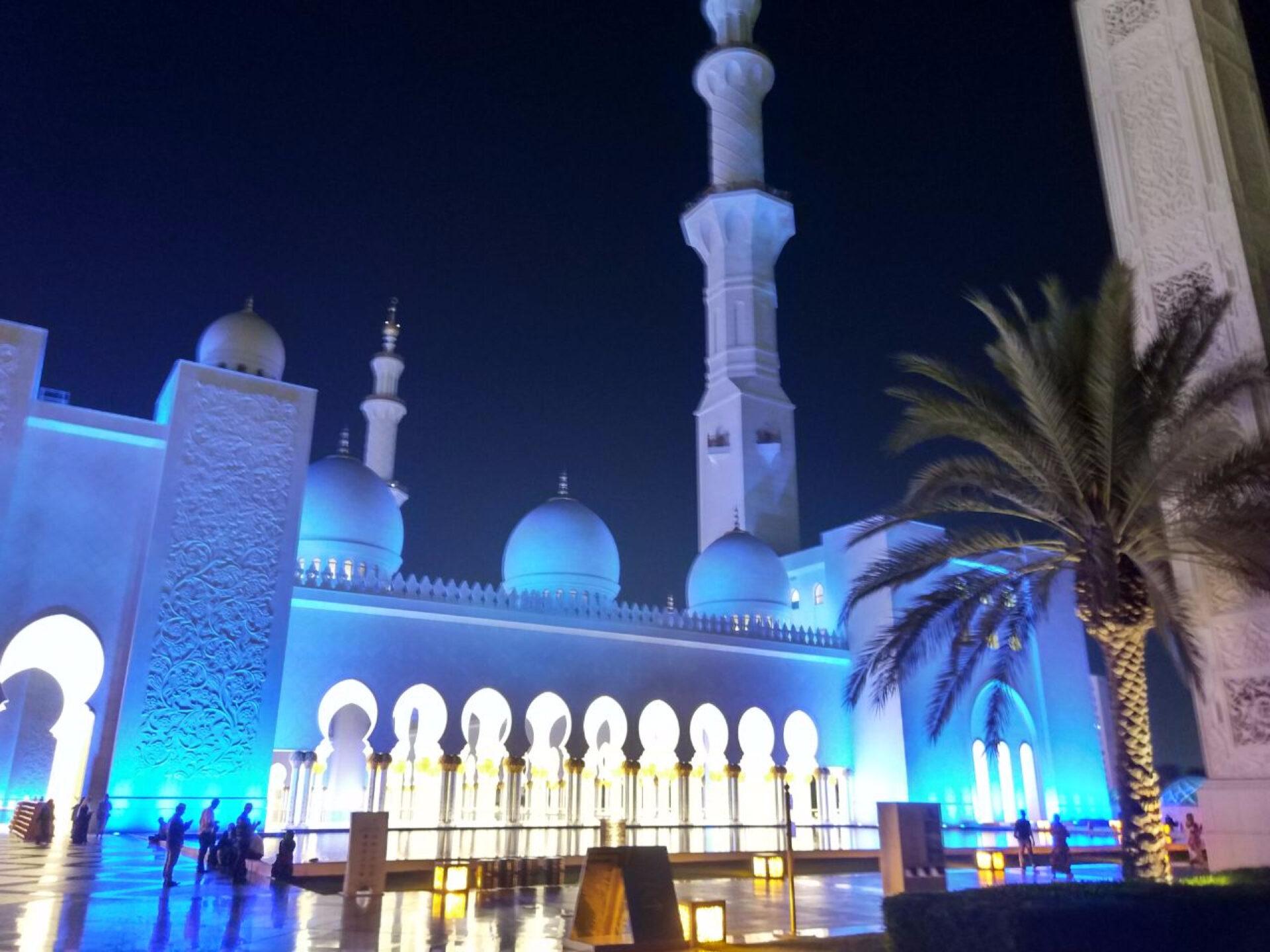 Мечеть шейха Зайда вАбу-Даби…