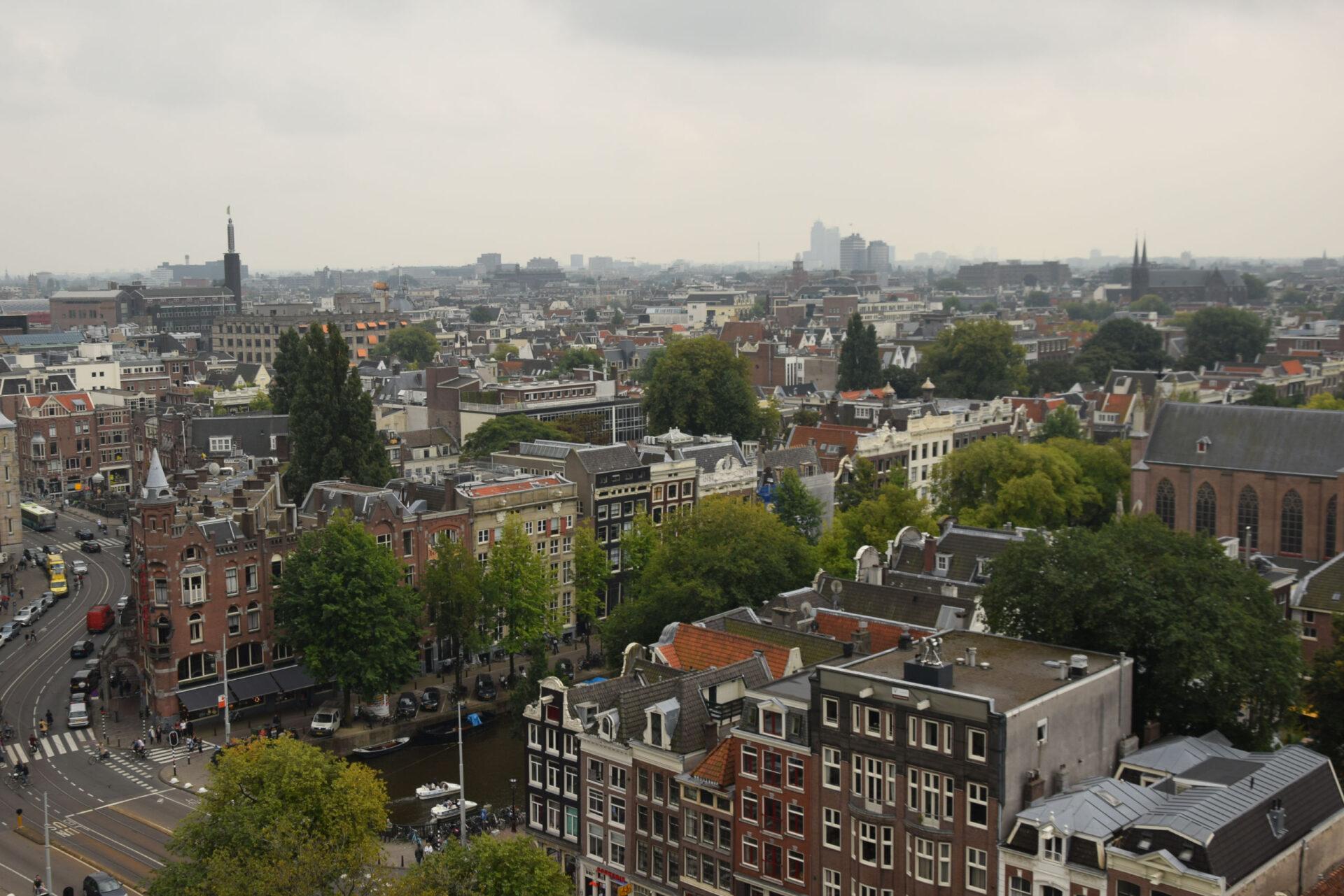 Амстердам сколокольни Старой церкви (Oude Kerk)