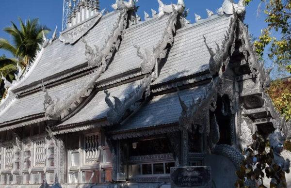 Серебрянный храм вЧиангмае.