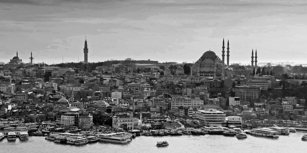 Потянуло в Стамбул…