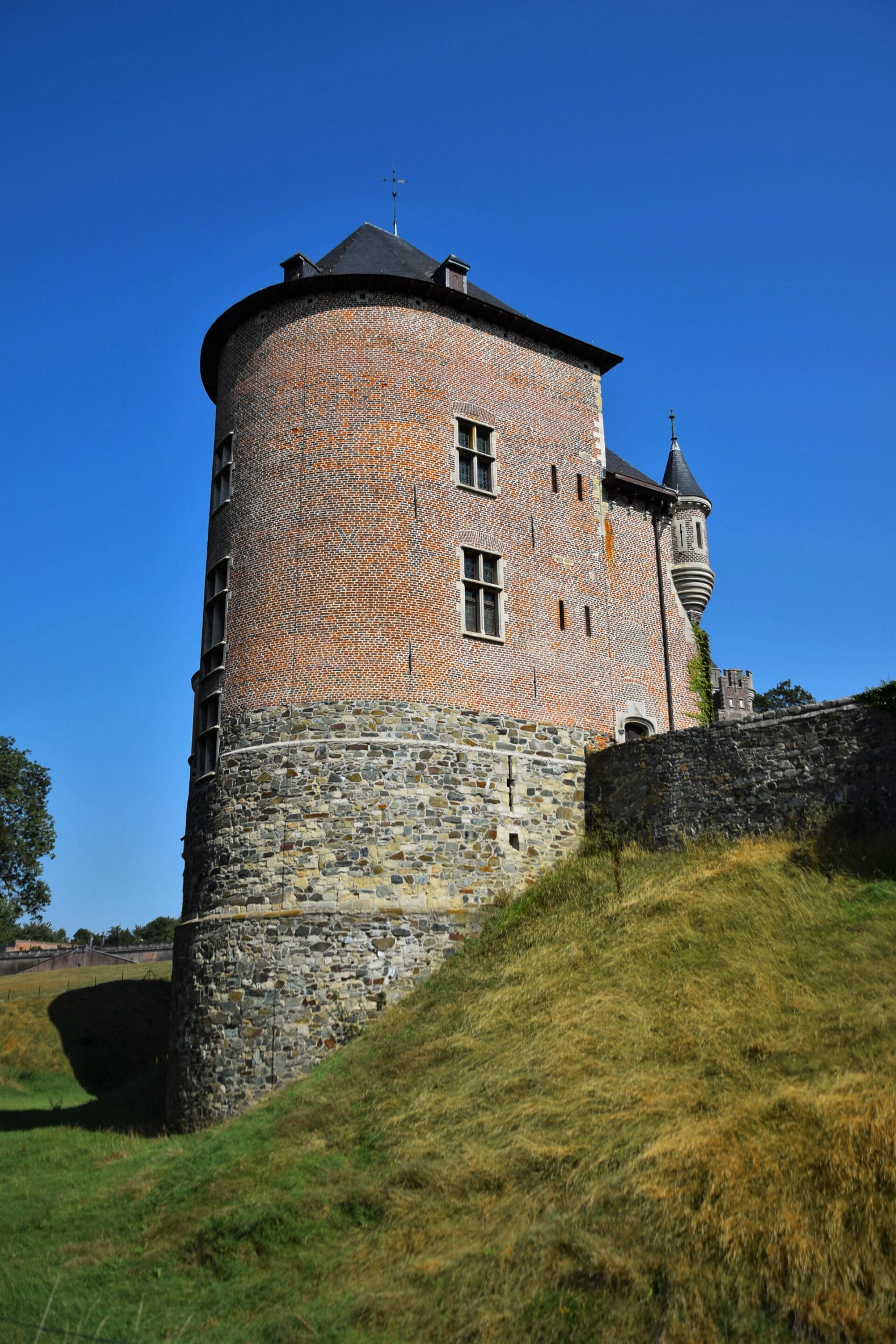 Гаасбек. Часть 2. Замок