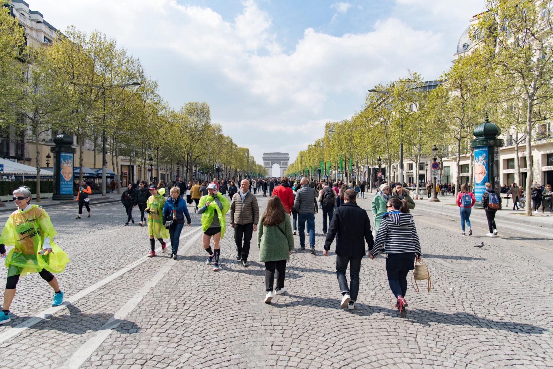 Париж вдень пожара вНотр Даме. Часть 2.