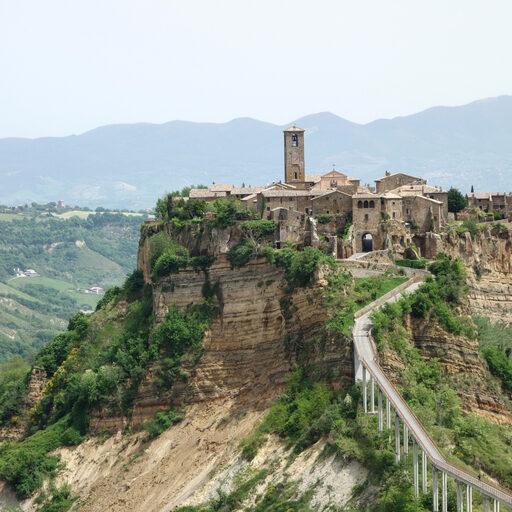 Чивита-ди-Баньореджо: умирающее средневековье