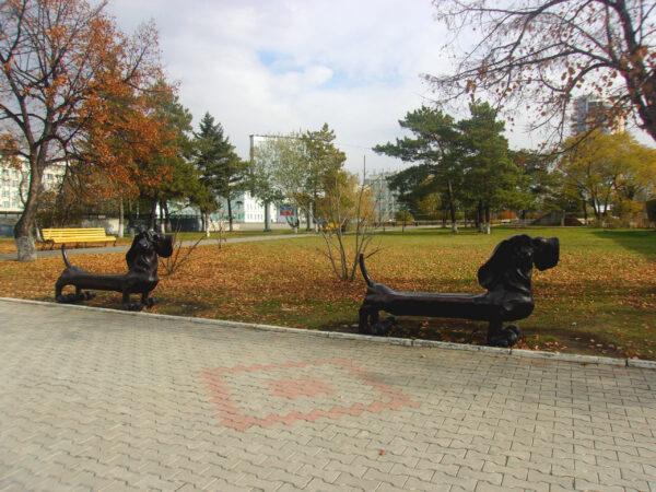 Люди иживотные нашего города (городские скульптуры)